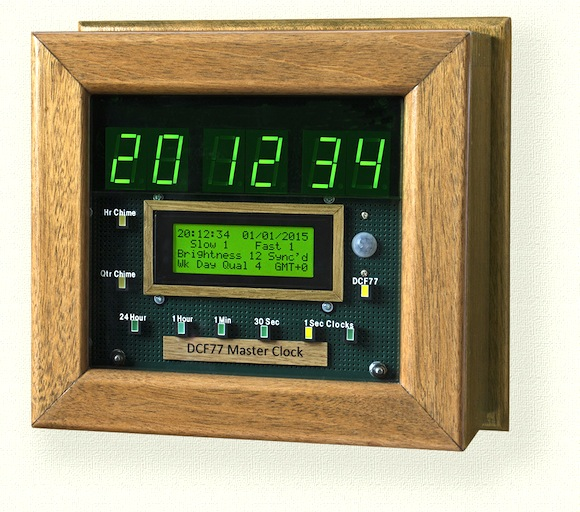 Accurate master clock synchronized with the DCF77 atomic clock